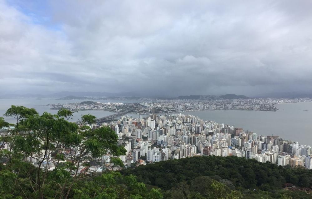 Previsão indica condições de chuva a qualquer hora do dia no Litoral - Gustavo Bruning/ND