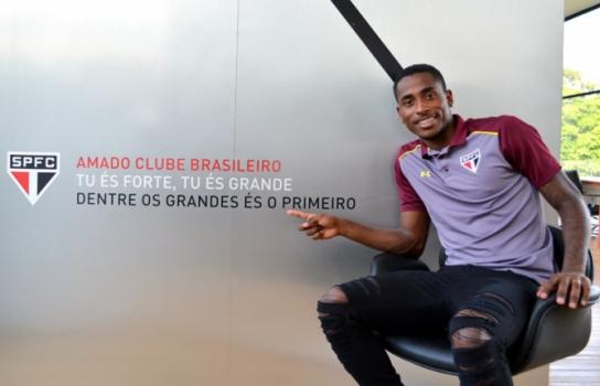 Denilson assinou com o São Paulo até o fim do ano - Érico Leonan/saopaulofc.net