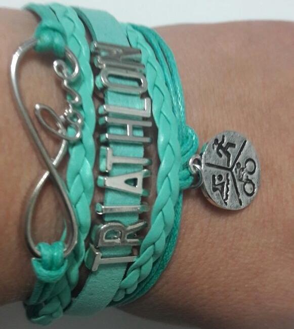 Mãe de Taynara vende pulseiras estilizadas para ajudar a filha - Divulgação/Arquivo Pessoal/ND