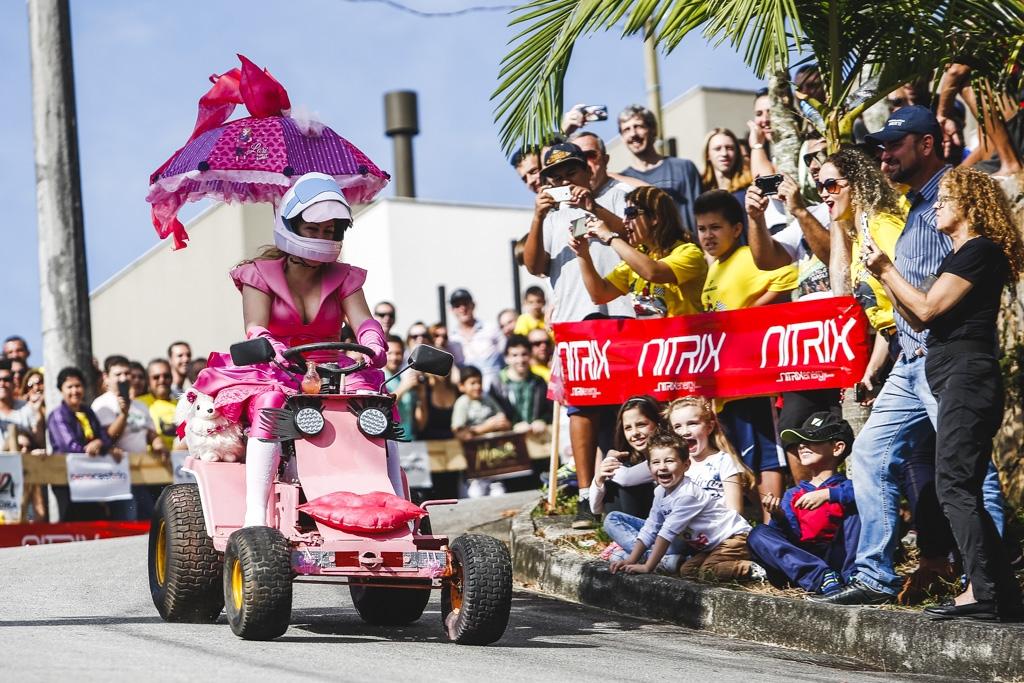 Corrida Maluca teve pilotos de todos os tipos - Daniel Queiroz/ND