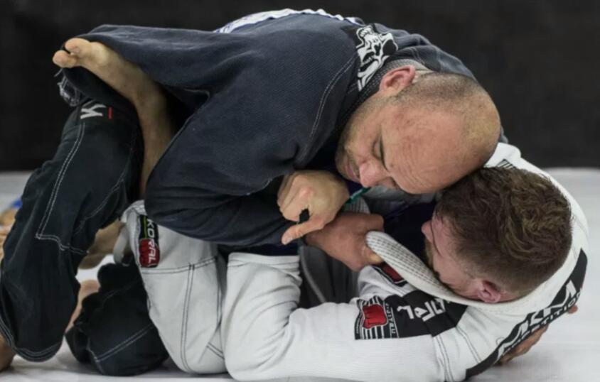 Para Rodrigo Mônico, lutar é uma forma de relaxamento - Marco Santiago/ND