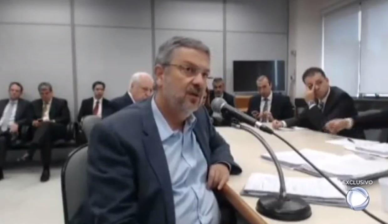 Ex-ministro depôs nesta quarta-feira à Comissão Parlamentar de Inquérito (CPI) do Banco Nacional de Desenvolvimento Econômico e Social (BNDES) – Record/Reprodução