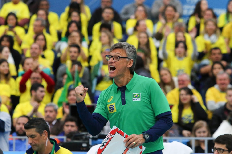 Renan Dal Zotto, tem a missão de manter o país na liderança do ranking mundial do vôlei - Valterci Santos