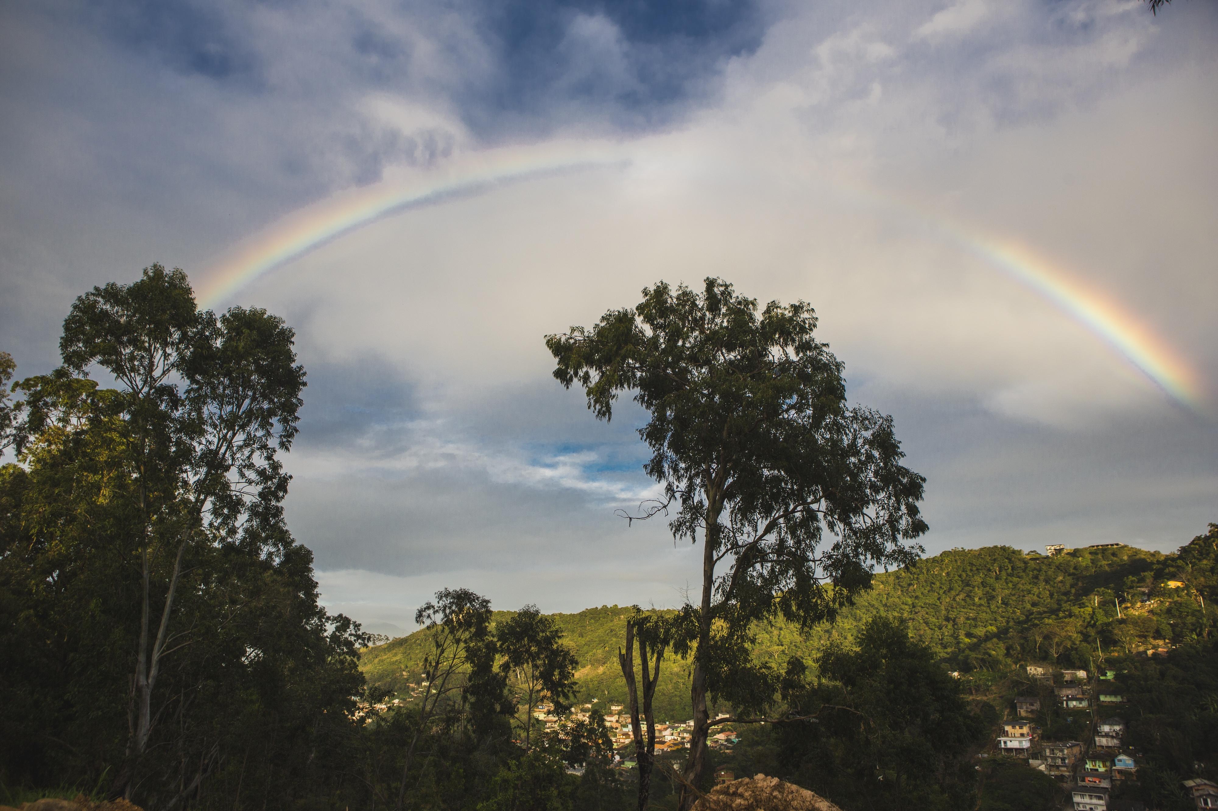 Arco-íris encantou moradores no começo da manhã na região central de Florianópolis nesta sexta - Daniel Queiroz/ND
