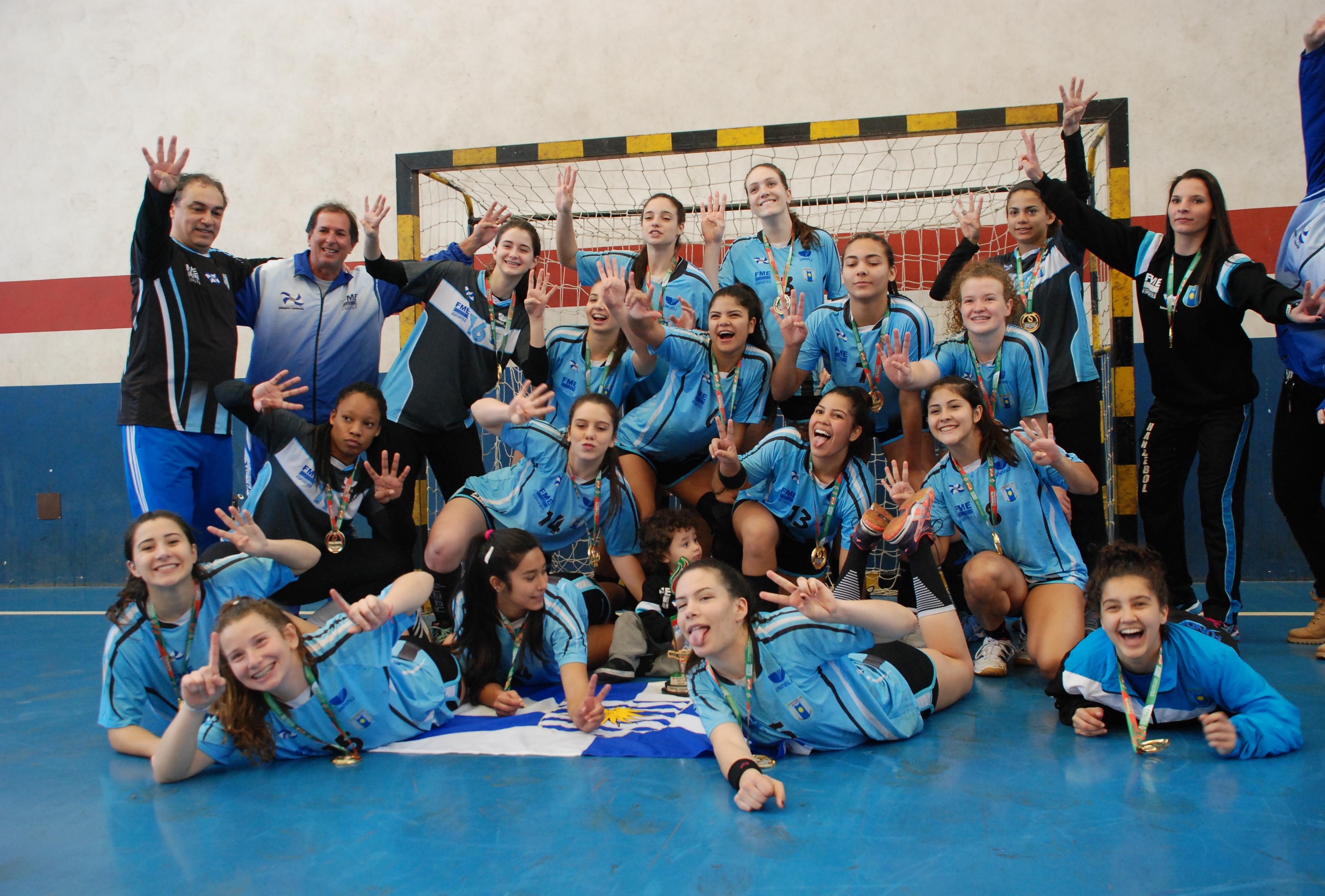 Titulo do handebol feminino foi para Balneário Camboriú - Josiane Zago/Fesporte/Divulgação/ND