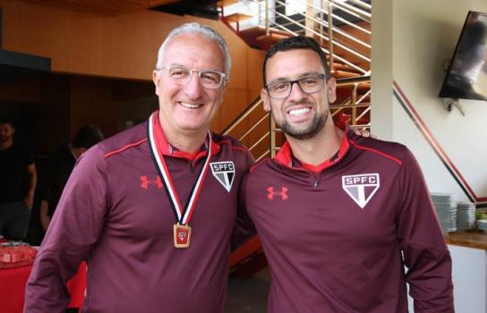 Sábado foi de homenagem aos pais no CT da Barra Funda - Rubens Chiri/saopaulofc.net