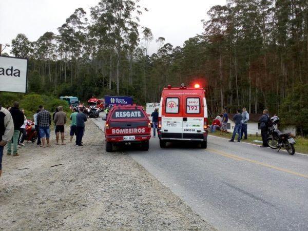 Equipes dos bombeiros e Samu atenderam às vítimas - SAMU/Paulo Brito e Ricardo Amarantes/Divulgação/ND