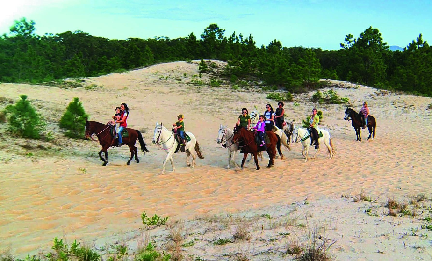 Cavalgada pode ser feita por adultos e crianças e não precisa prática - Marcos Felipe/RICSC/ND
