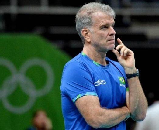 Bernardinho tinha outro substituto em mente, seu auxiliar, Rubinho (Foto: Divulgação/CBV) -