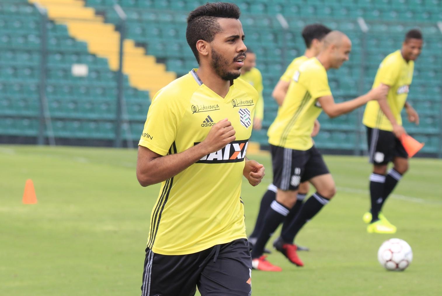 Ty Sandows já iniciou os trabalhos físicos no Scarpelli - Luiz Henrique/Figueirense FC
