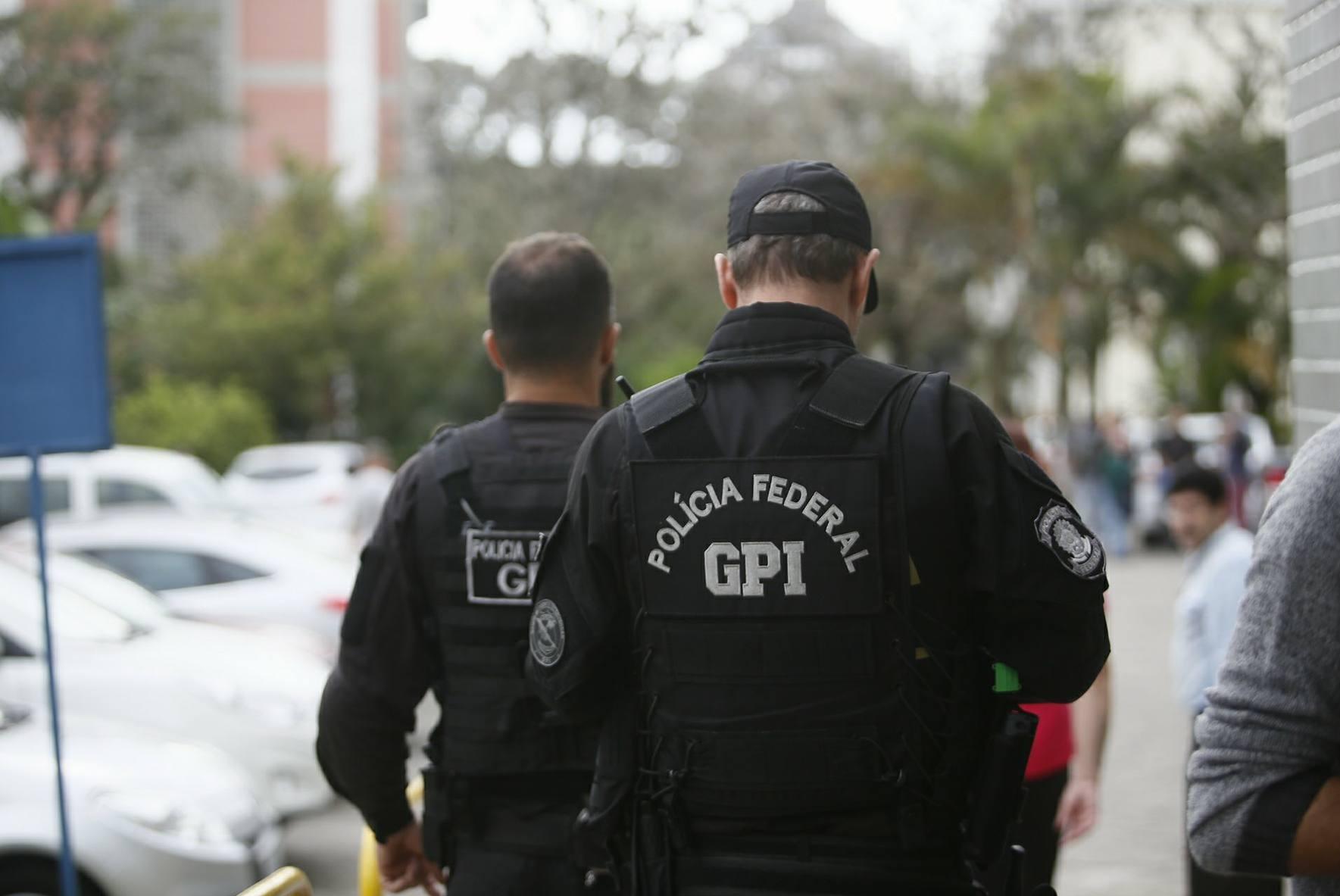 Polícia Federal cumpre mandados judiciais na UFSC - Daniel Queiroz/ND