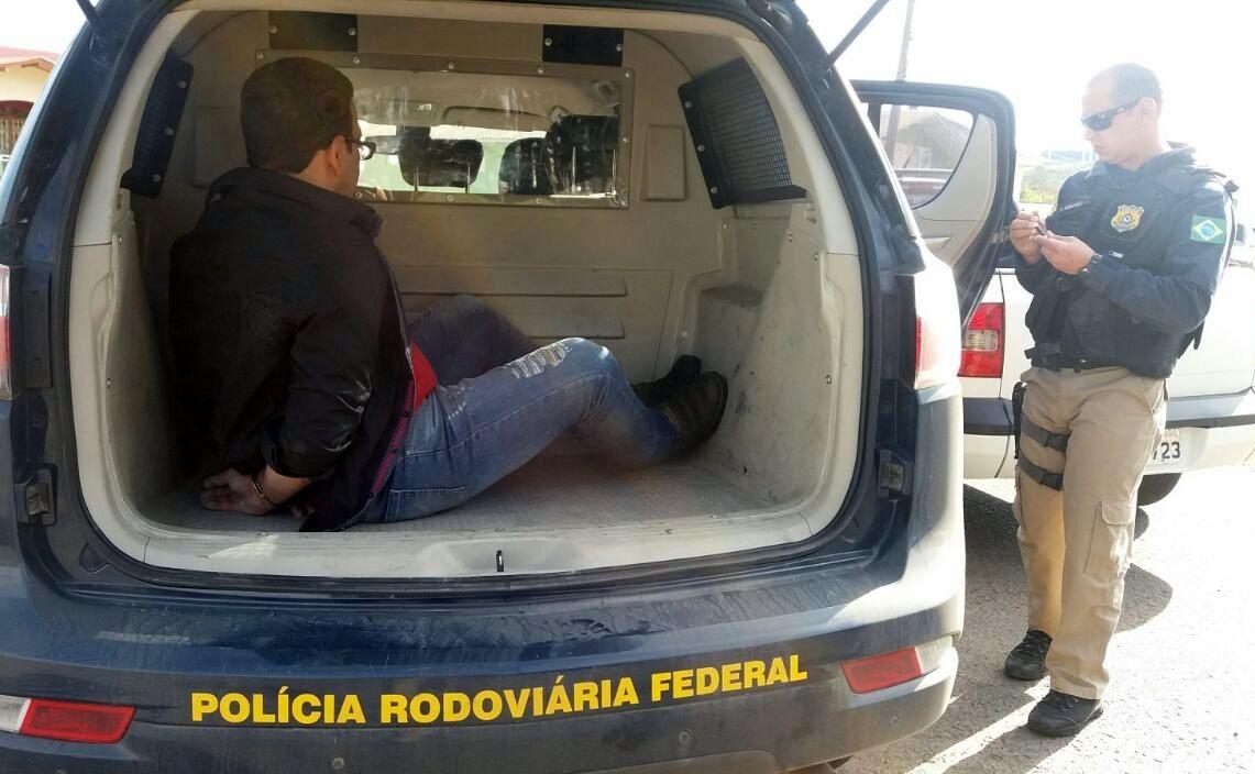 Motorista foi levado pela PRF para a Delegacia de Lages - Divulgação/PRF/ND