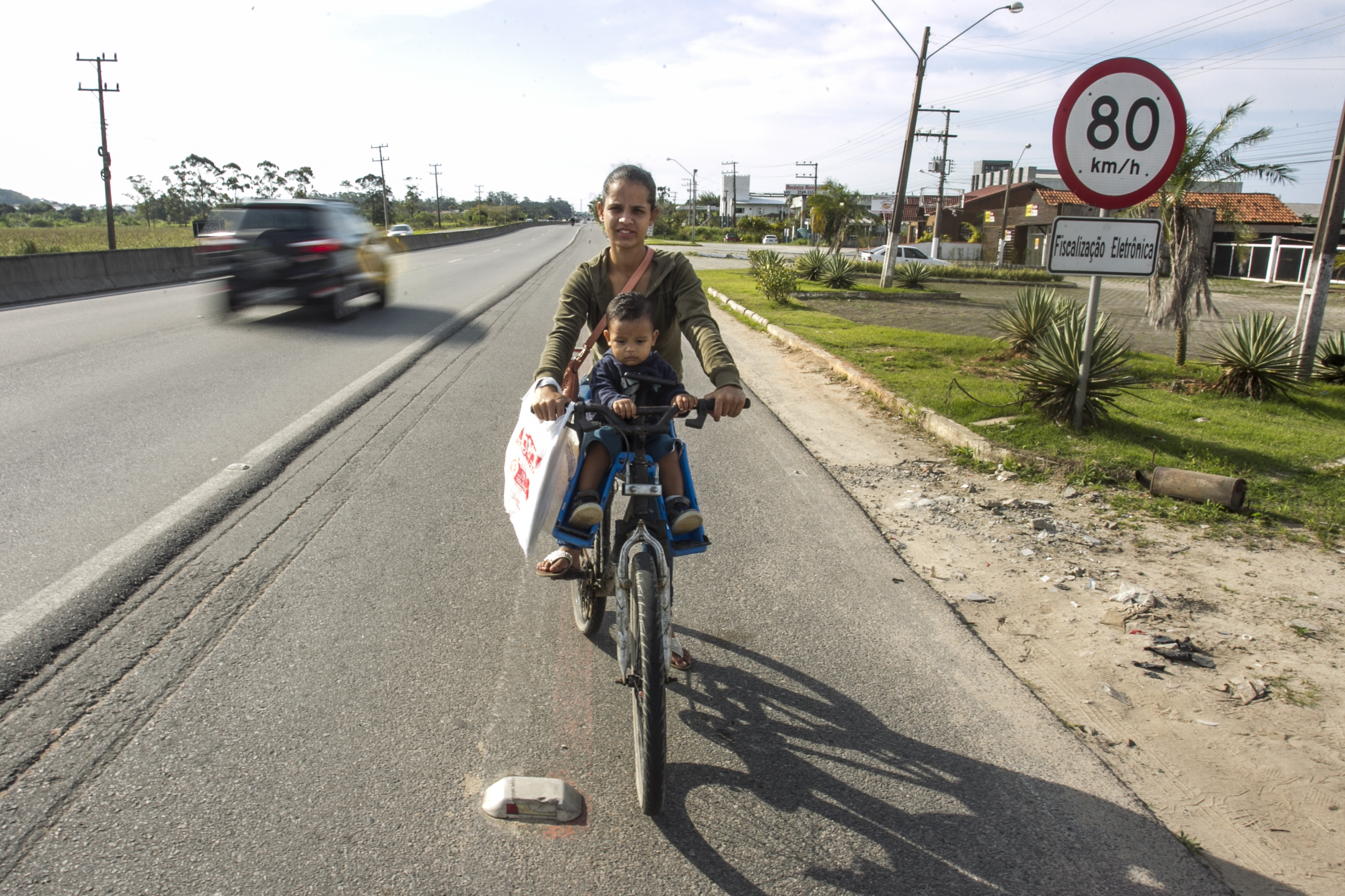 A rodovia é um risco para os ciclistas - Marco Santiago/ND