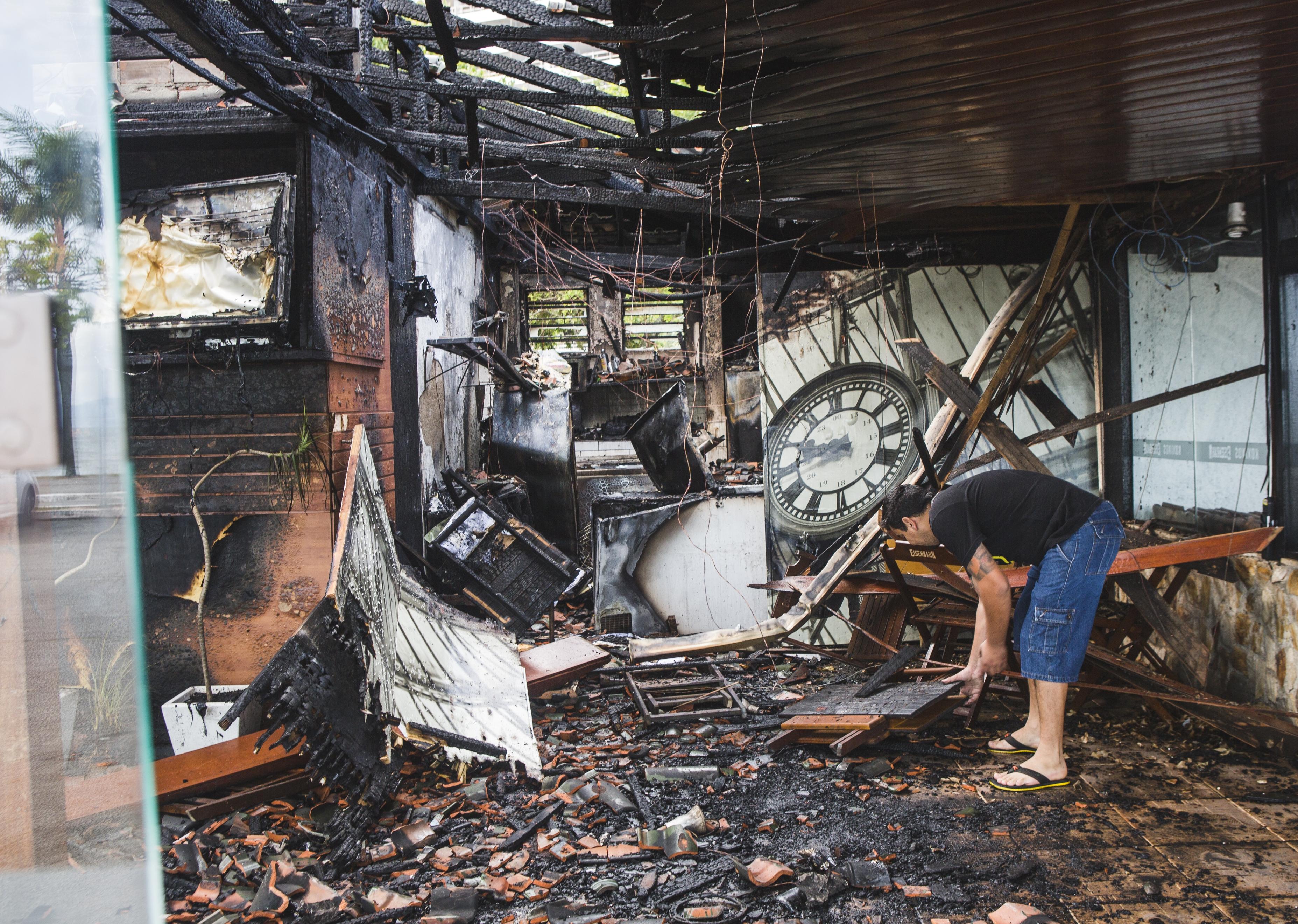 Koxixo's Beer foi consumido por um incêndio - Daniel Queiroz/ ND