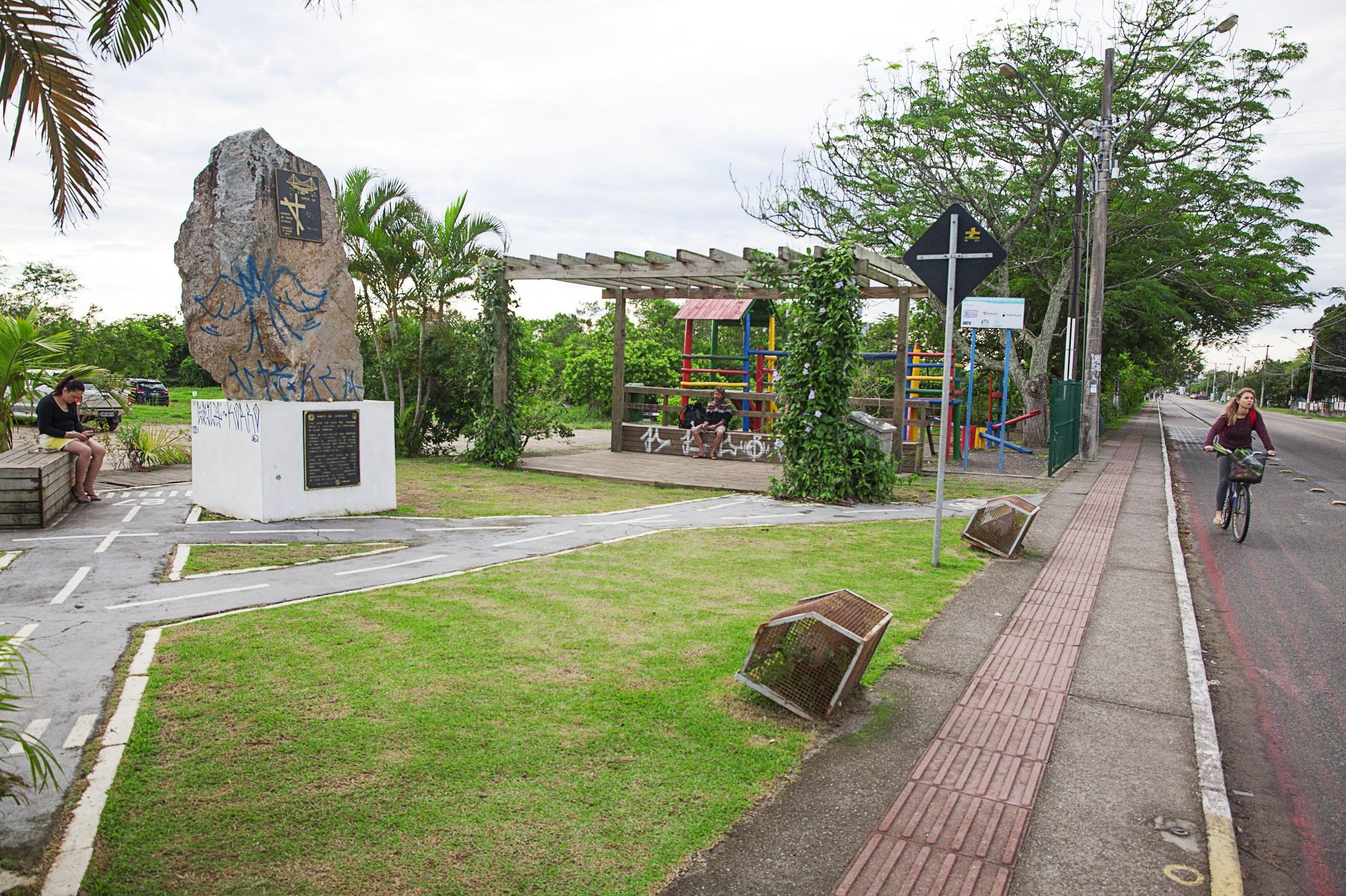 Monumento aos Pilotos da Aéropostale: marco histórico do Campo da Aviação, futuro Pacuca (Parque Cultural do Campeche) - Milton Ostetto/Divulgação/ND