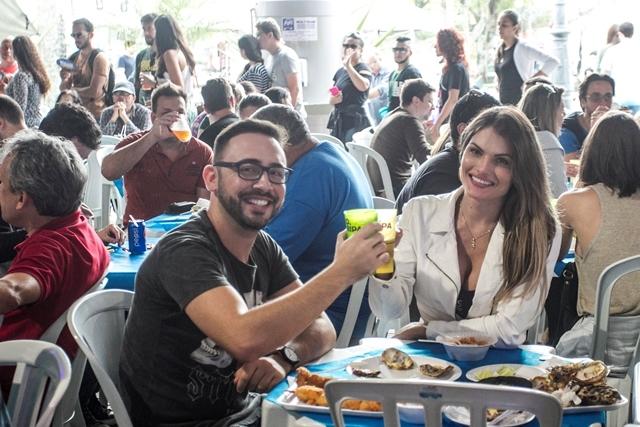 Gustavo e Fabricia aprovaram o formato da festa - Marco Santiago/ND