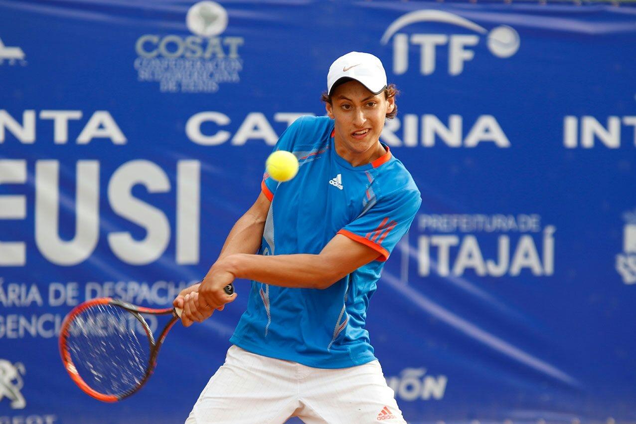 Equatoriano radicado em Itajaí Mateo Reyes foi à semifinal da Copa Santa Catarina - Luiz Candido/Luz Press