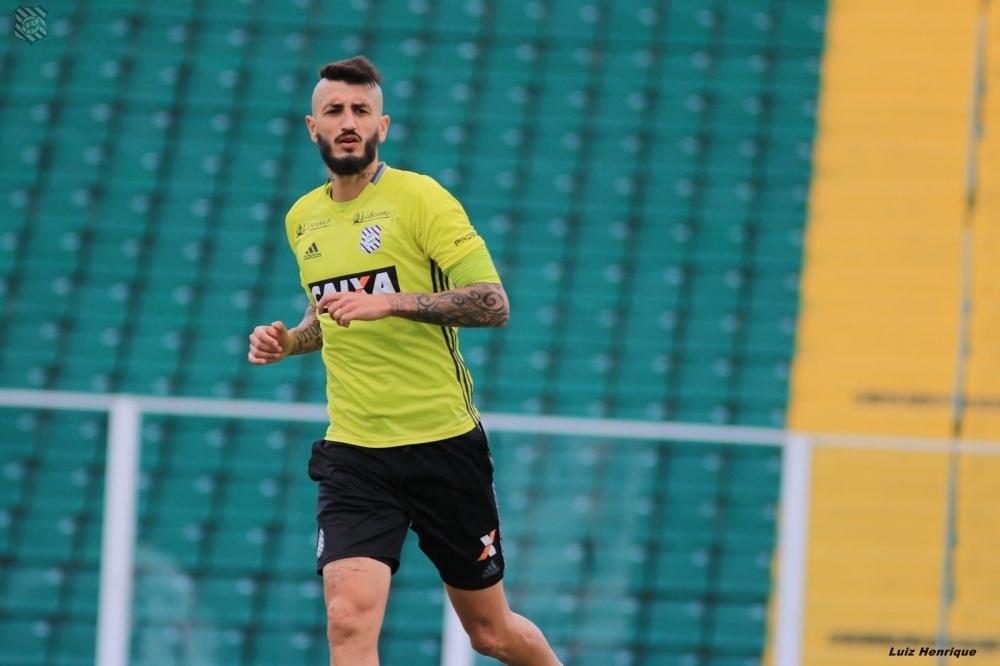 Marquinhos treinou entre os titulares e será novidade no Figueira contra o Santa - Luiz Henrique/ND