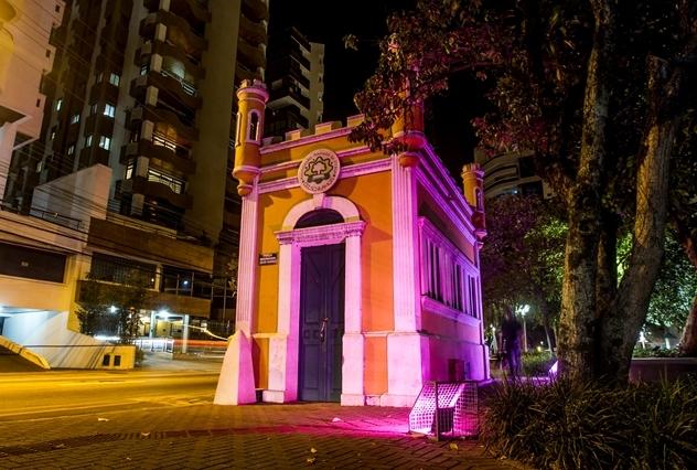 Praça Governador Celso Ramos, no Centro - Marco Santiago/ND