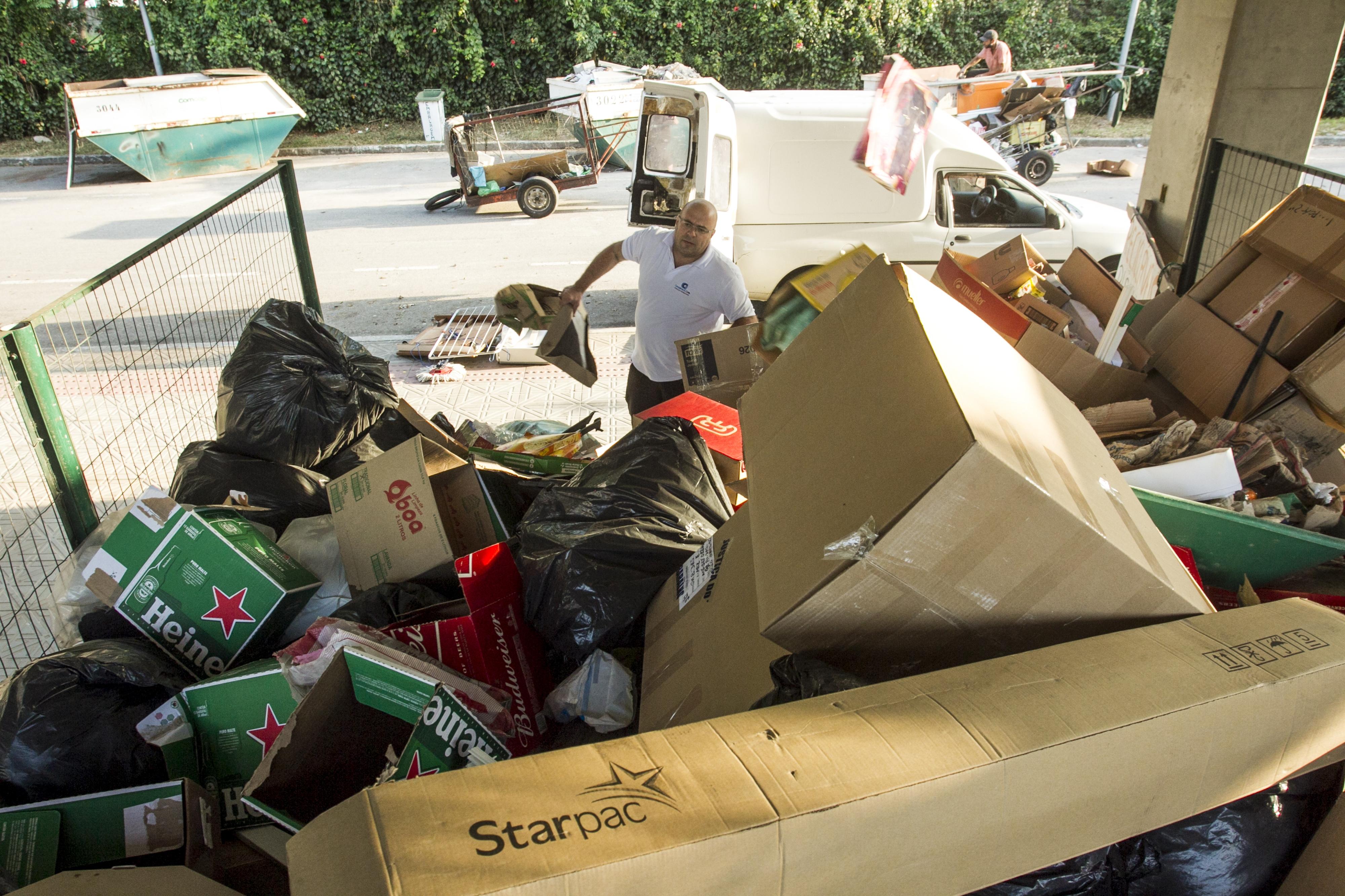 Atualmente, o município recicla apenas 7% de tudo que recolhe nas ruas - Marco Santiago/ND