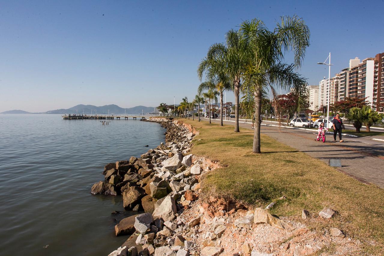 Beira Mar Norte ensolarada