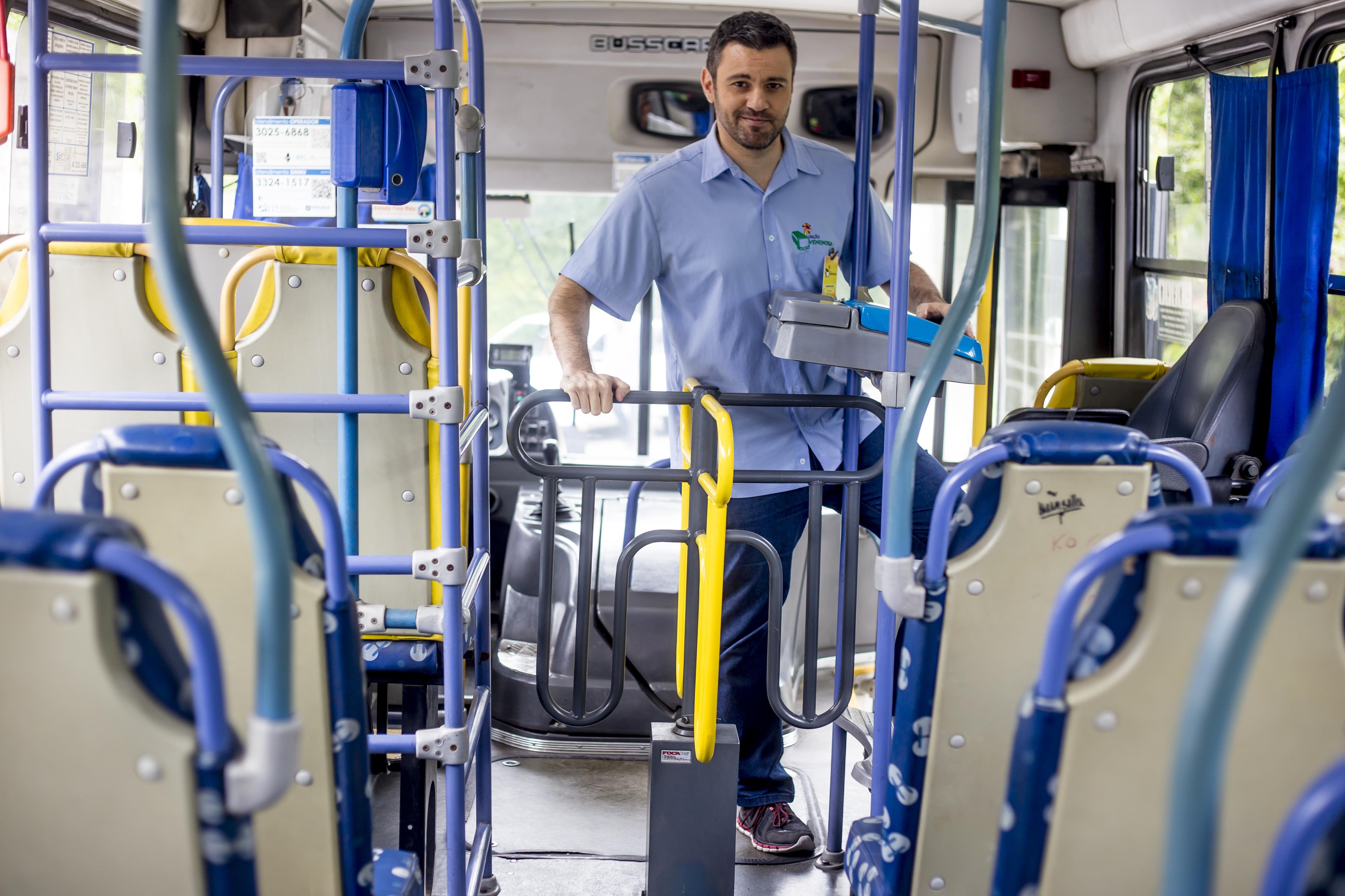 Personagem cobrador fará esquete em ônibus - Flavio Tin/ND