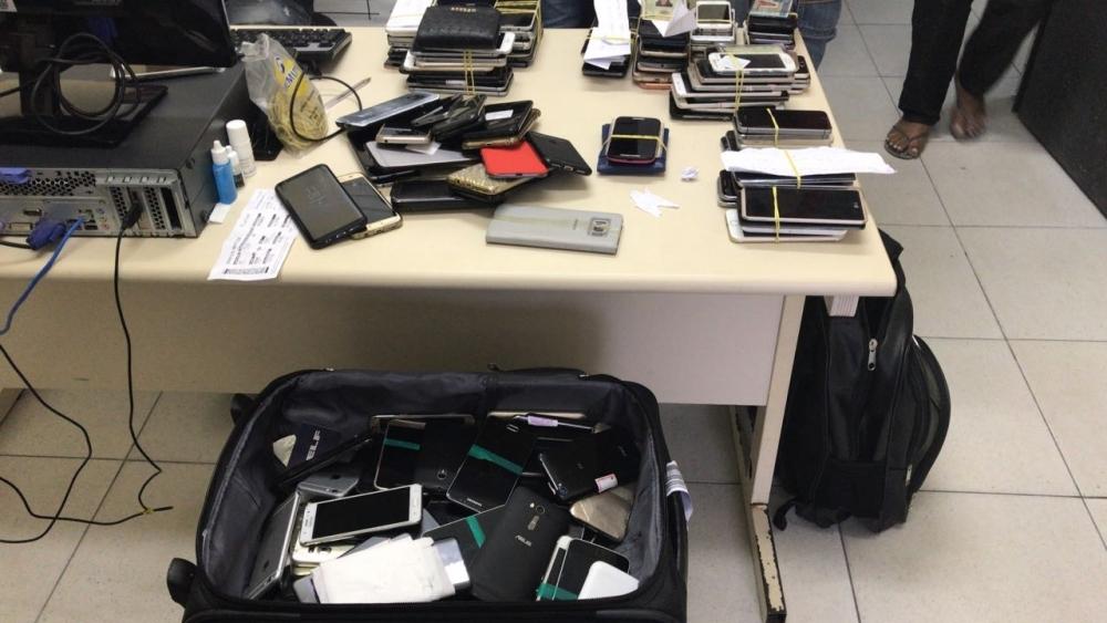 Quase 200 aparelhos foram recuperados durante a operação - Polícia Civil/Divulgação/ND