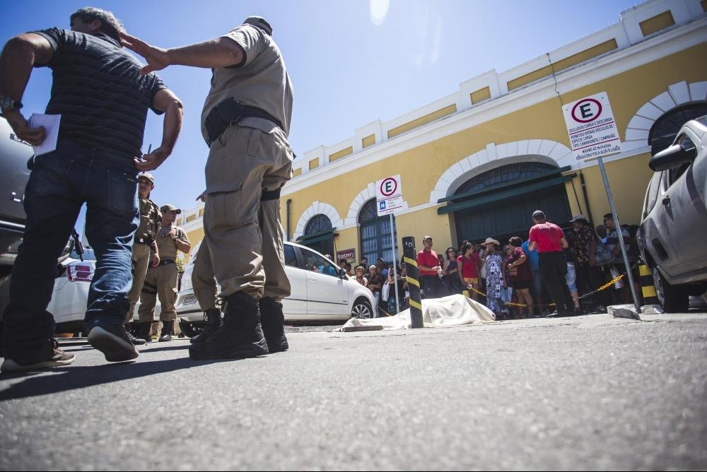 Assassinato ocorreu na avenida Paulo Fontes, ao lado do Mercado Público de Florianópolis - Daniel Queiroz/ND