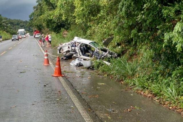 Acidente na SC-108, em Jaraguá do Sul, deixou duas crianças mortas - Corpo de Bombeiros/Divulgação