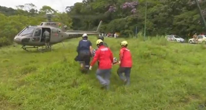 Casal desaparecido após acidente é resgatado na Serra Dona Francisca - Reprodução: RICTV | Record TV