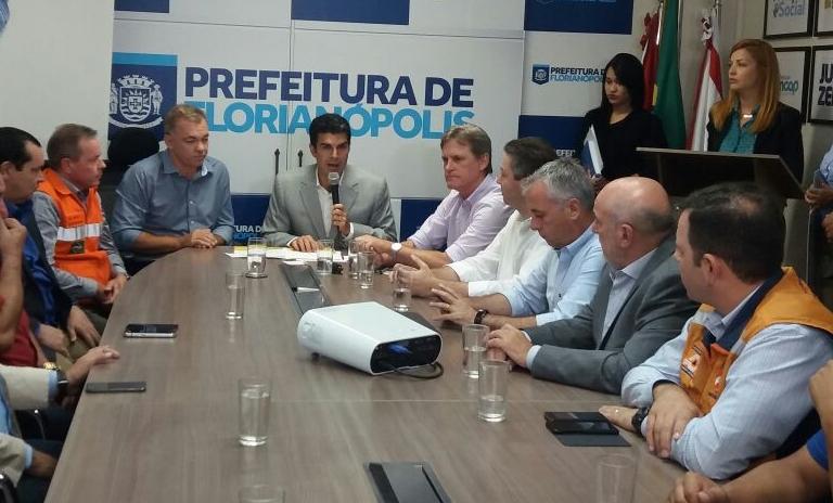 Ministro Helder Barbalho veio a Florianópolis para a confirmação da entrega dos recursos - Dariele Gomes/ND