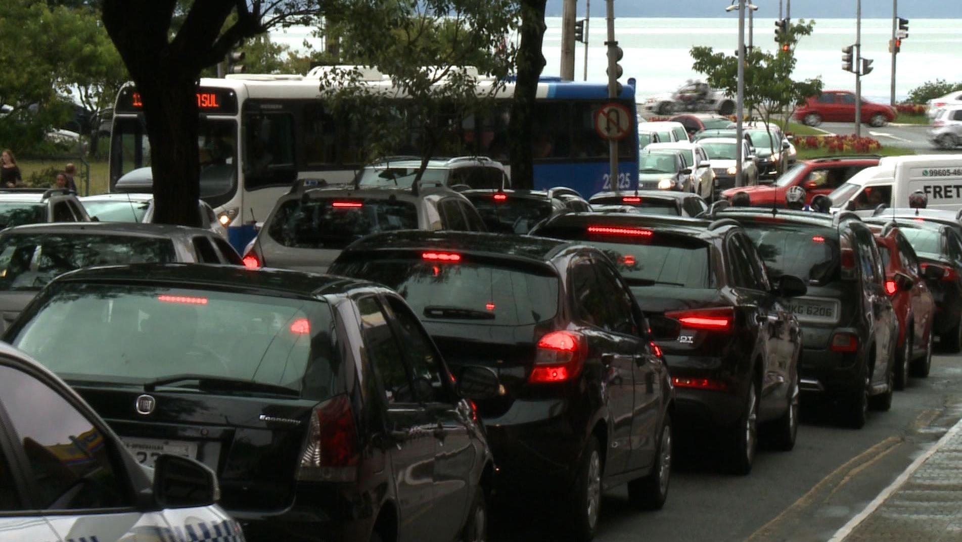 Trânsito no Centro de Florianópolis - RICTV/ Reprodução