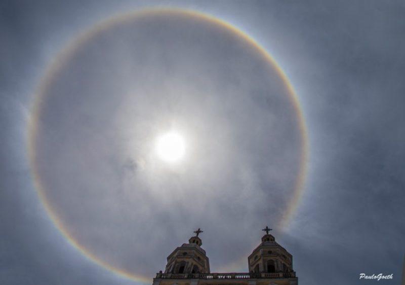 """""""Arco-íris"""" redondo chama a atenção no céu de Florianópolis - Paulo Goeth/Divulgação/ND"""