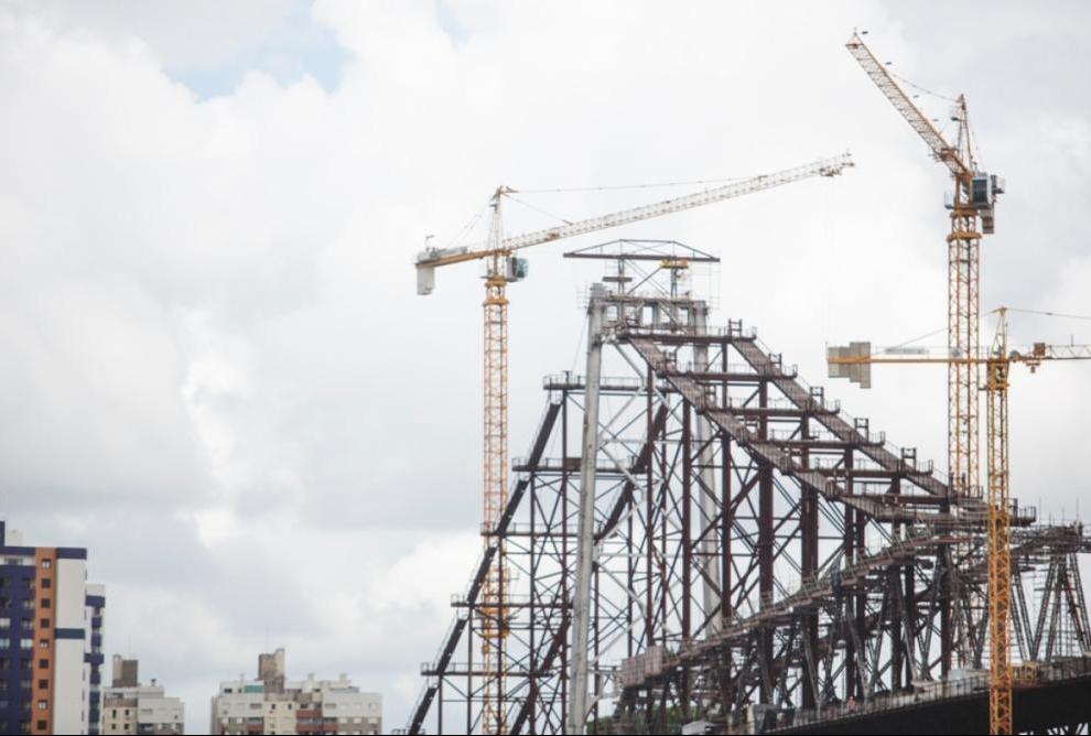 Das três pontes que ligam Ilha ao continente, a Hercílio Luz é a única que passa por uma restauração completa - Daniel Queiroz/ND