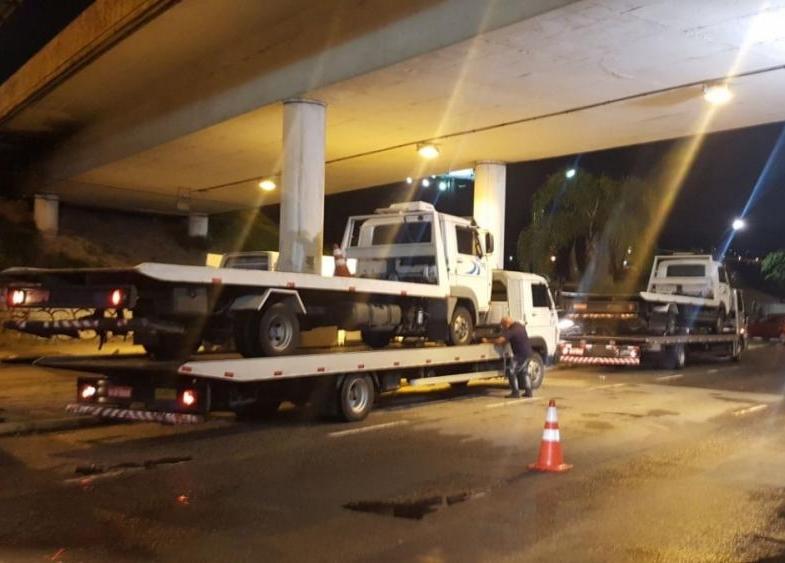 Guinchos estavam com licenciamento venico e pneus carecas - Divulgação/ND