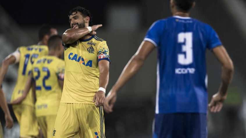 27a7a19c6e6e4 Ceifou  Henrique Dourado marcou de pênalti contra o Madureira (Foto  Jorge  Rodrigues