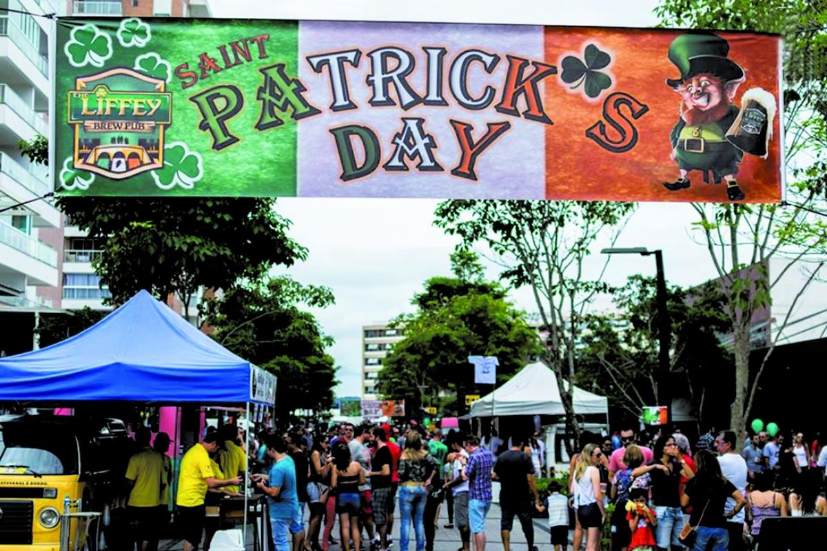 O St. Patrick's Day na Pedra Branca, no ano passado, reuniu cerca de 20 mil pessoas - Divulgação/ND