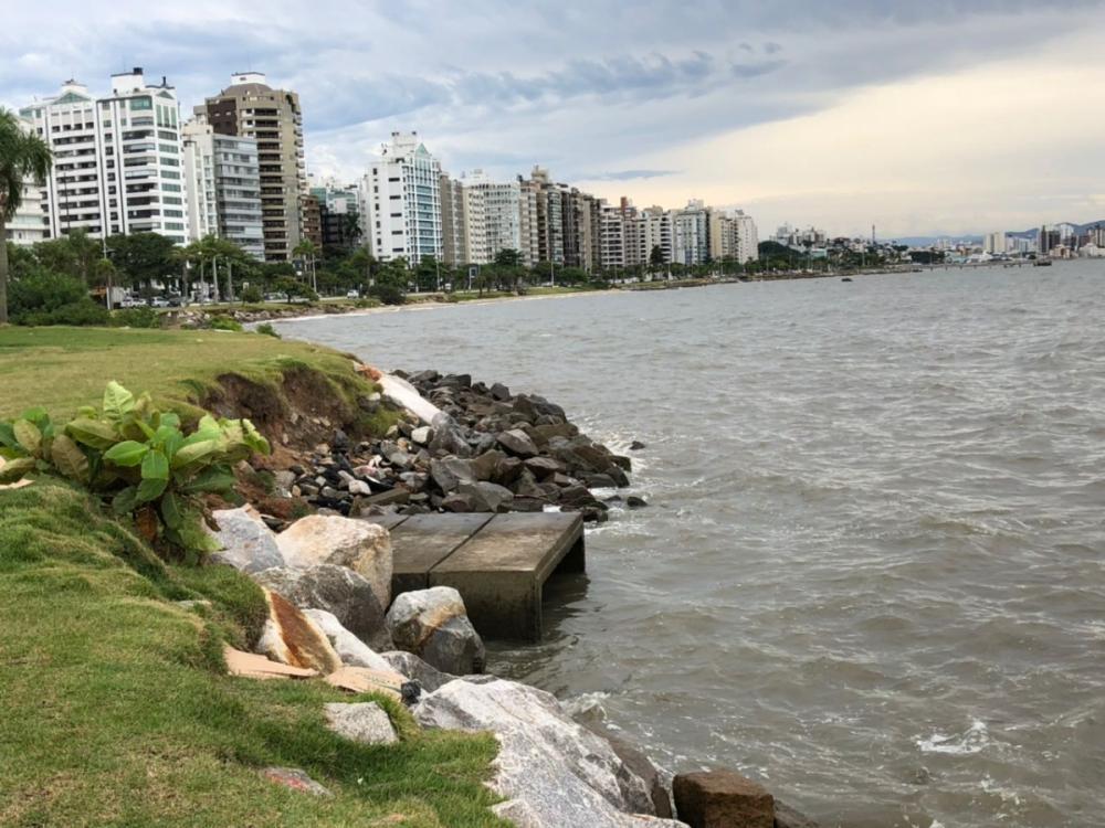 As saídas da rede de drenagem da Beira-Mar receberão válvulas com dispositivos de retenção de fluxo - Viviane de Gênova/ND