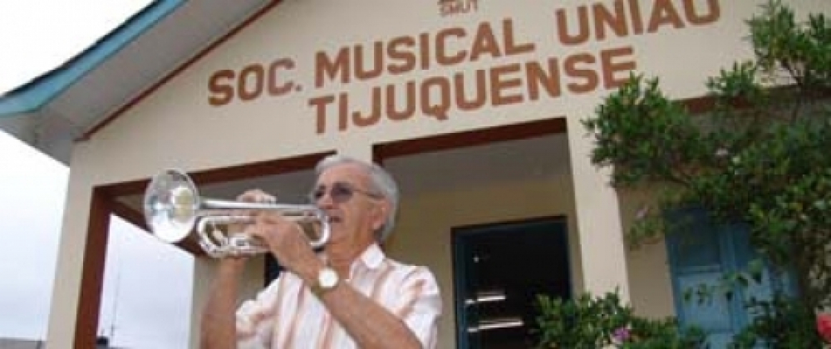 Nélio comandou por anos a Sociedade Musical União Tijuquense - Marcos Horostecki/Arquivo/ND
