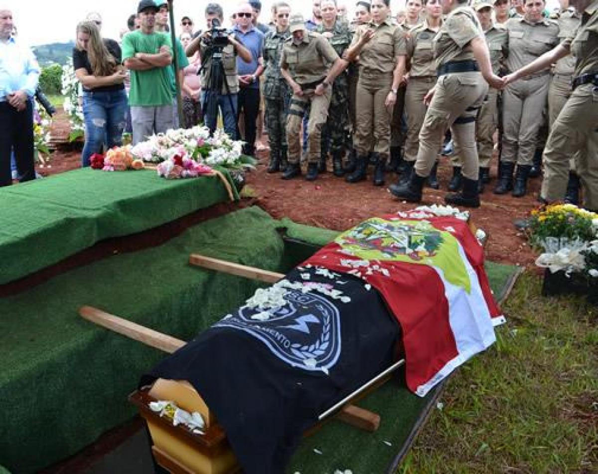 Policial foi enterrada fardada, conforme havia demonstrado vontade a pessoas próximas - BPM Chapecó/Divulgação