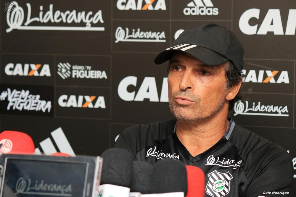 Milton Cruz concedeu entrevista coletiva ao final do treino desta terça (16) - Luiz Henrique/Figueirense/divulgação/ND