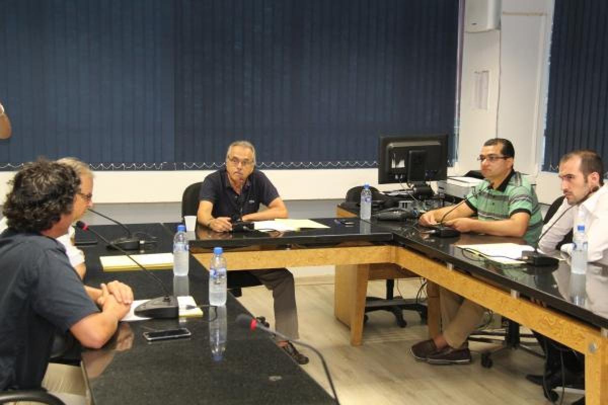Encontro desta manhã escolheu os parlamentares Rafael Daux (MDB) e Marquito (PSOL) como presidente e relator - CMF/Divulgação