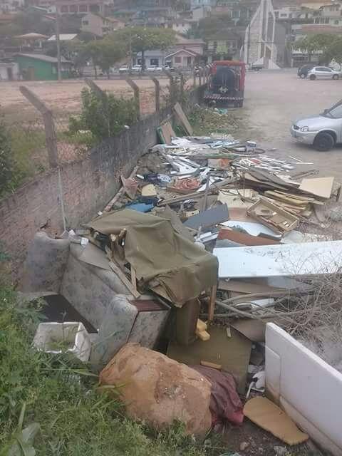 A SME disse que local já foi limpo inúmeras vezes, mas novos resíduos são descartados - Israel Mendes Júnior/ND