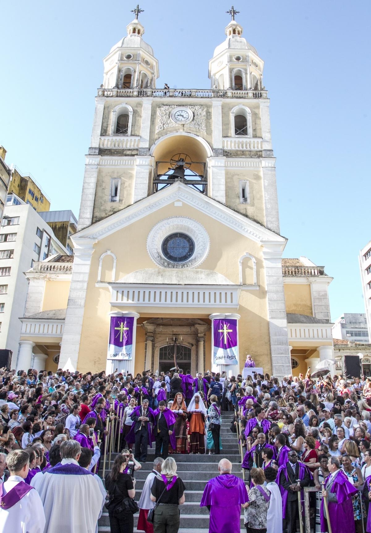 Pregador pediu que fiéis também fiquem atentos à política - Marco Santiago/ND