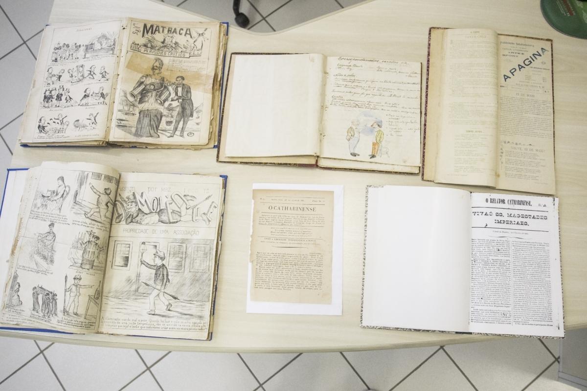 36 mil edições de periódicos catarinenses já foram digitalizadas pela hemeroteca - Marco Santiago/ND