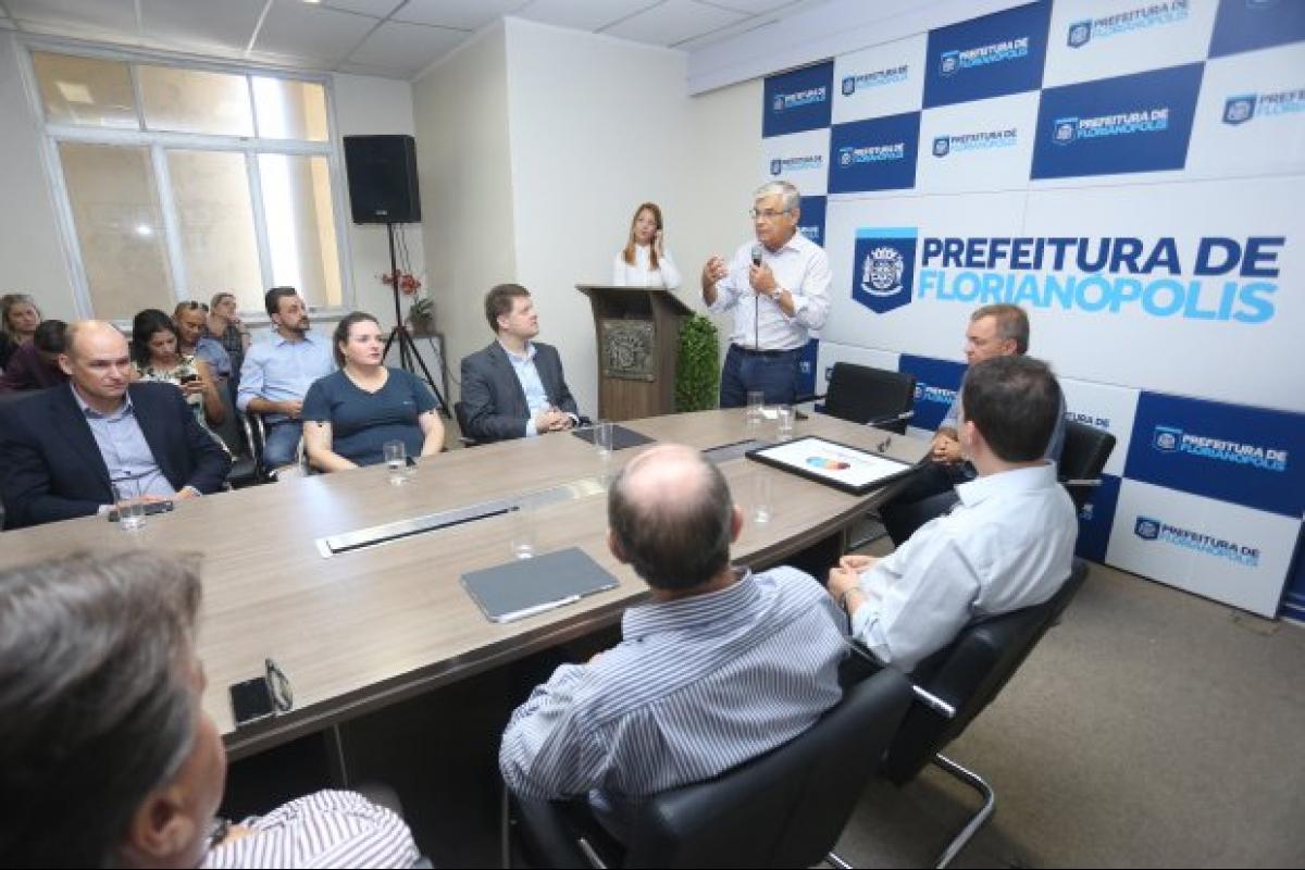 Lançamento do projeto foi realizado em Florianópolis nesta sexta-feira e contou com a presença do governador do Estado - Jeferson Baldo/Secom/Divulgação/ND