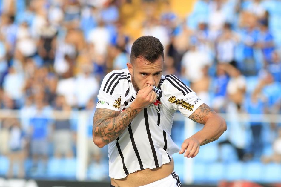 Ferrareis, autor de um dos gols no empate com o Avaí, pode começar no time titular - Luiz Henrique/Figueirense/divulgação/ND
