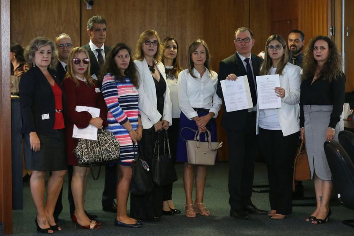 Juízes e promotores protocolam assinaturas no STF - Valter Campanato/Agência Brasil