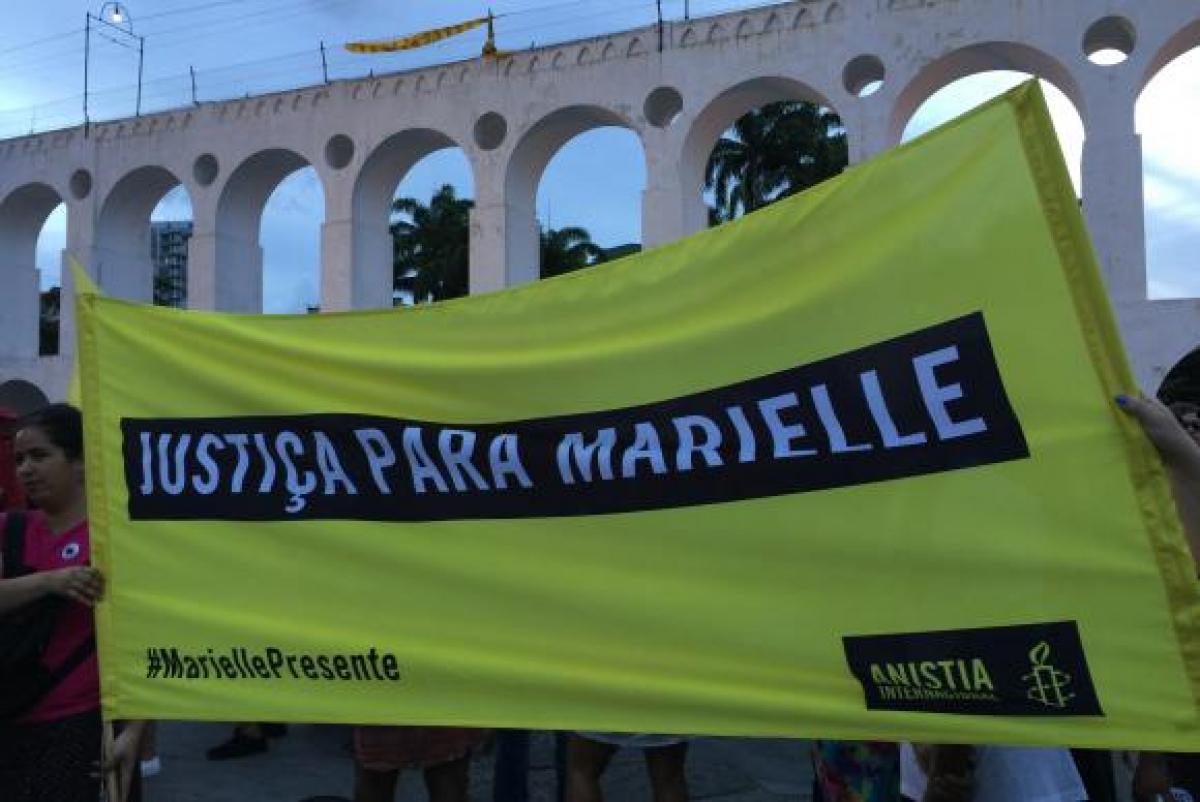Há exatos um mês, a vereadora Marielle Franco e o motorista do carro em que ela estava foram assassinados no Rio - Cristina Índio do Brasil/Agência Brasil