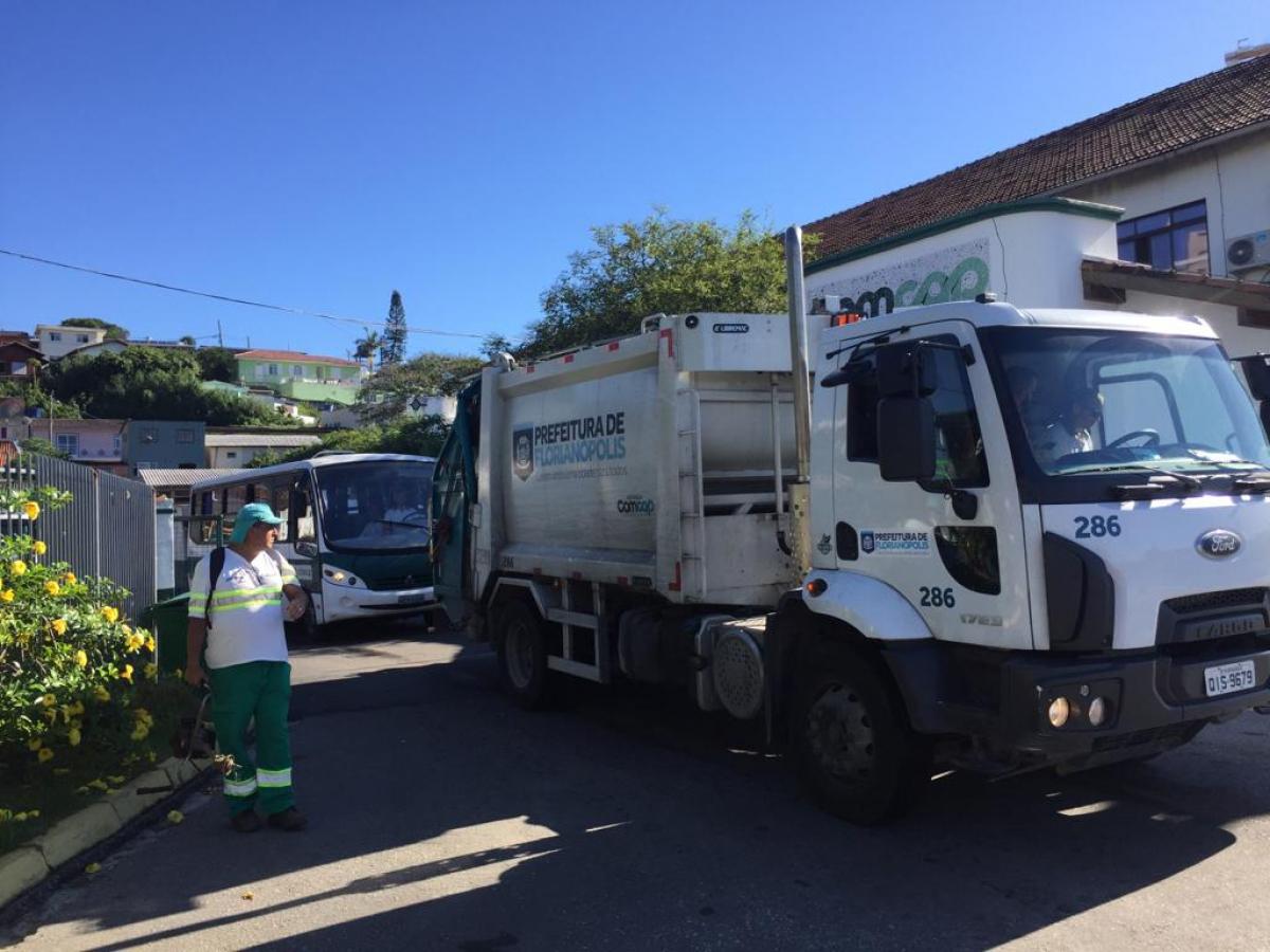 Os funcionários retomaram o serviço logo após assembleia - PMF/Divulgação/ND